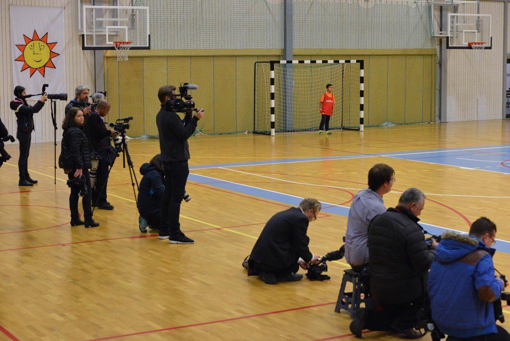 Ett tjugotal journalister från såväl Sverige som övriga Europa följde prinsessans besök. Foto: Henric Byström, Fritidsbanken
